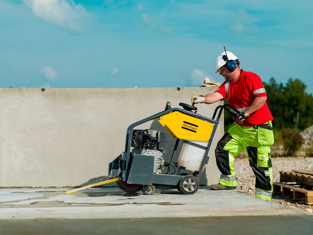 Как выбрать нарезчики швов по бетону и что важно принять во внимание